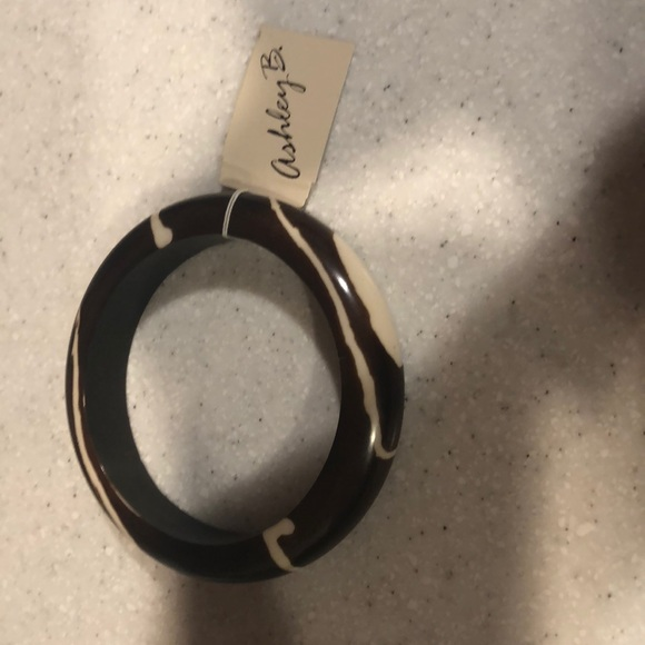 ashley B Jewelry - Brown and cream bangle bracelet
